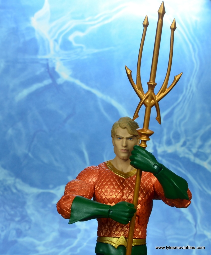 dc essentials aquaman action figure review - holding the trident