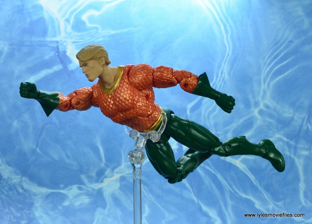 dc essentials aquaman action figure review - swimming to the right