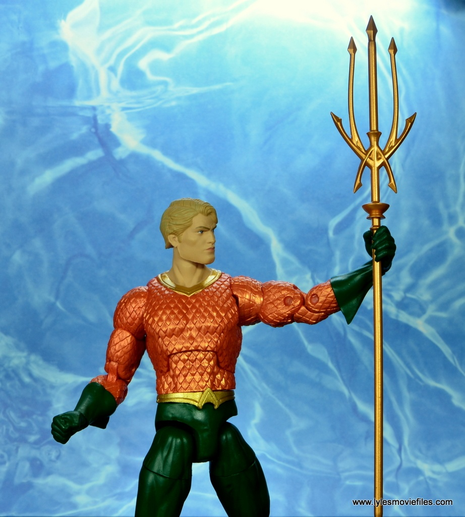 dc essentials aquaman action figure review - trident out