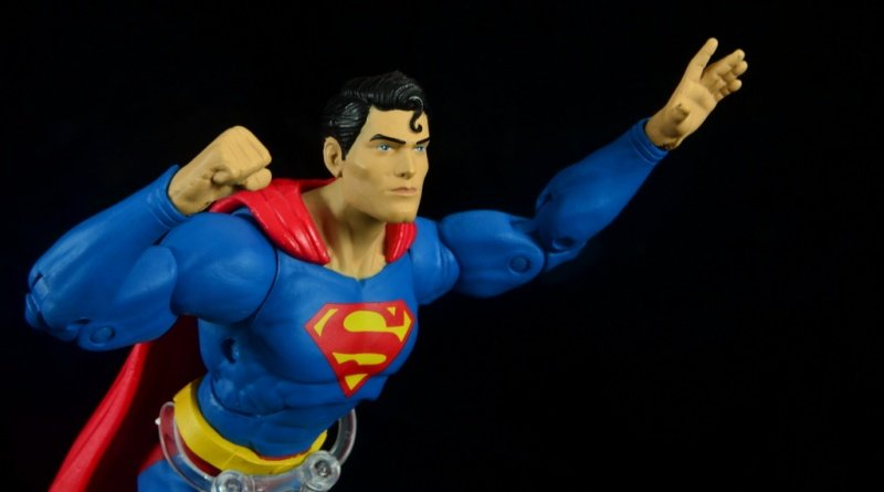 dc essentials superman review -flying