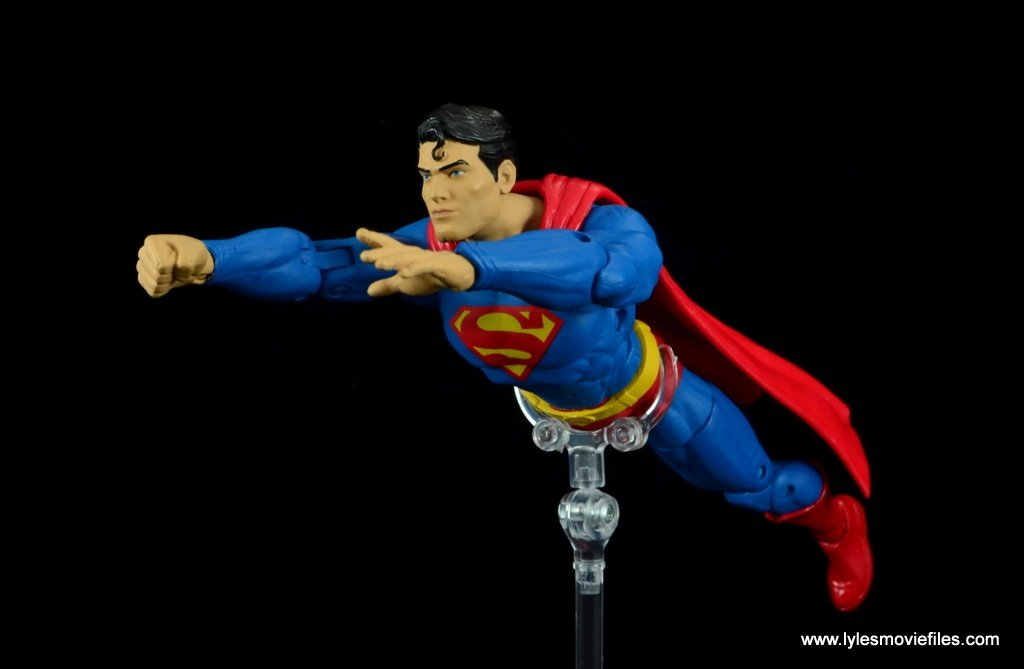 dc essentials superman review - flying to the side
