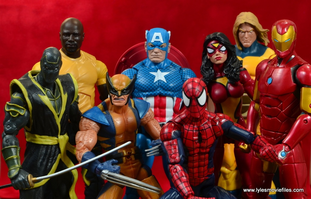 marvel legends luke cage and claire figure review -cage and new avengers