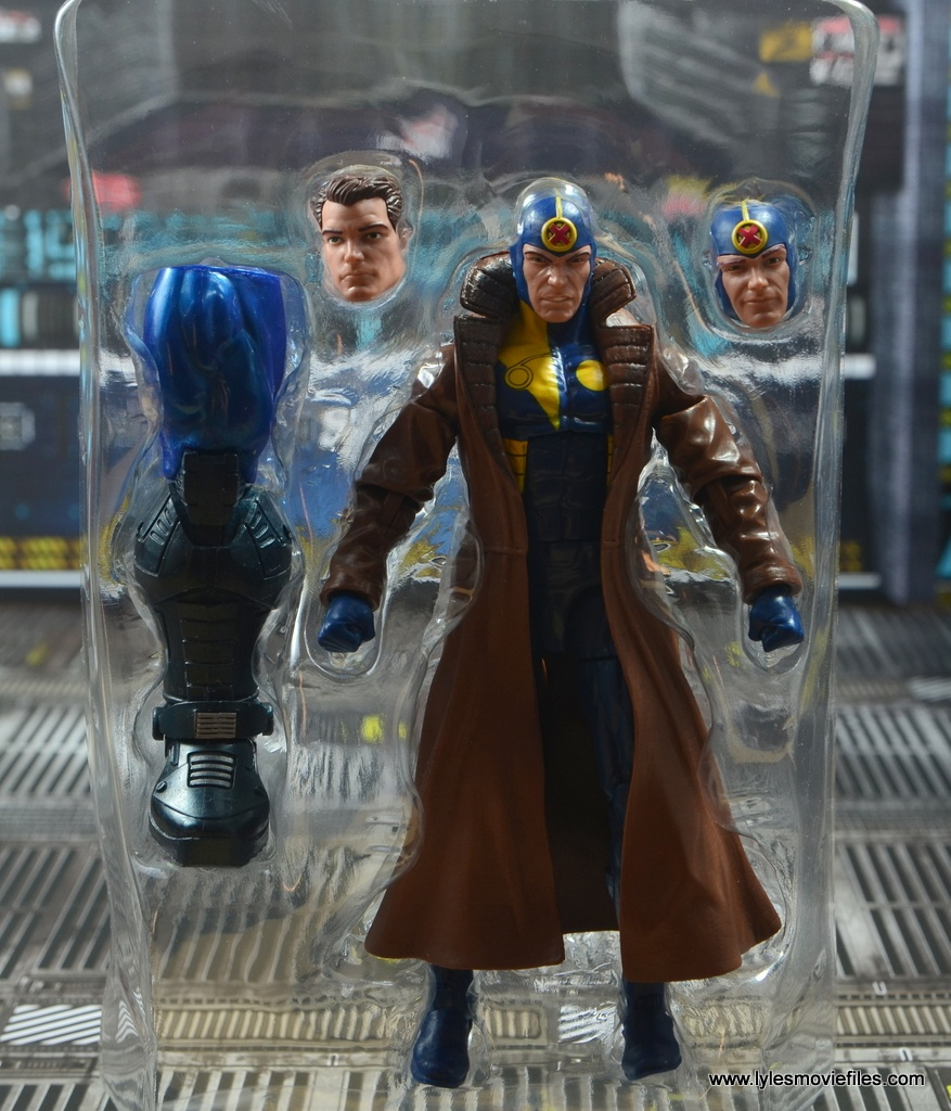 marvel legends multiple man figure review - accessories on tray