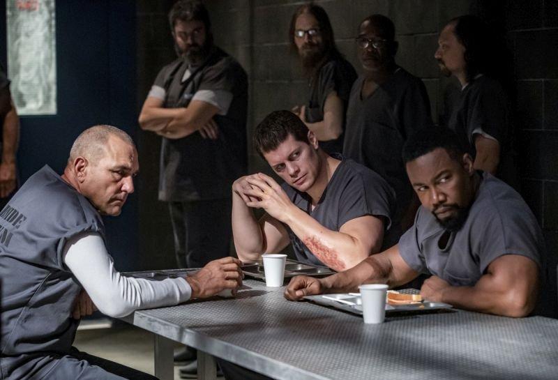 arrow-inmate-4587-vinnie jones, cody runnels and michael jai white