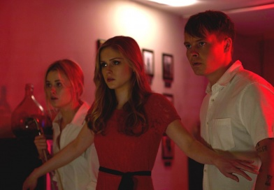 monster party review - virginia gardner, erin moriarty and sam strike
