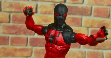 marvel legends scarlet spider figure review - main pic